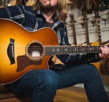 Choosing an Acoustic Guitars