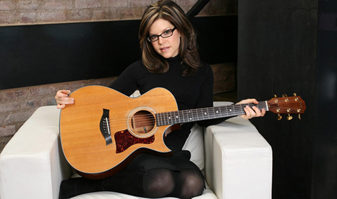 4fe2392b305 Feel What U Feel  Grammy Winner Lisa Loeb on Her Guitars and Writing ...